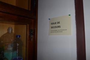 Au moins, dansNarnia, l'issue était dans l'armoire, pas derrière...